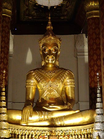 Phra Buddha Nimitr in the Ubosoth of Wat Na Phra Men.