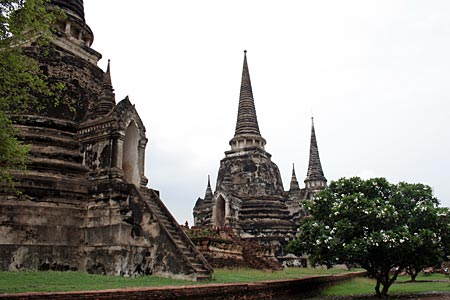 Wat Phra Si Sanphet, built during the middle period of the ...